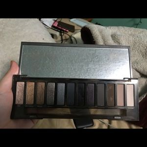 Naked smoky eyeshadow pallet
